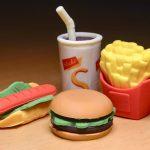 Химические вещества из упаковки фаст-фуда могут попадать в пищу