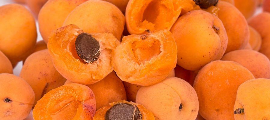 Как можно отравиться абрикосом