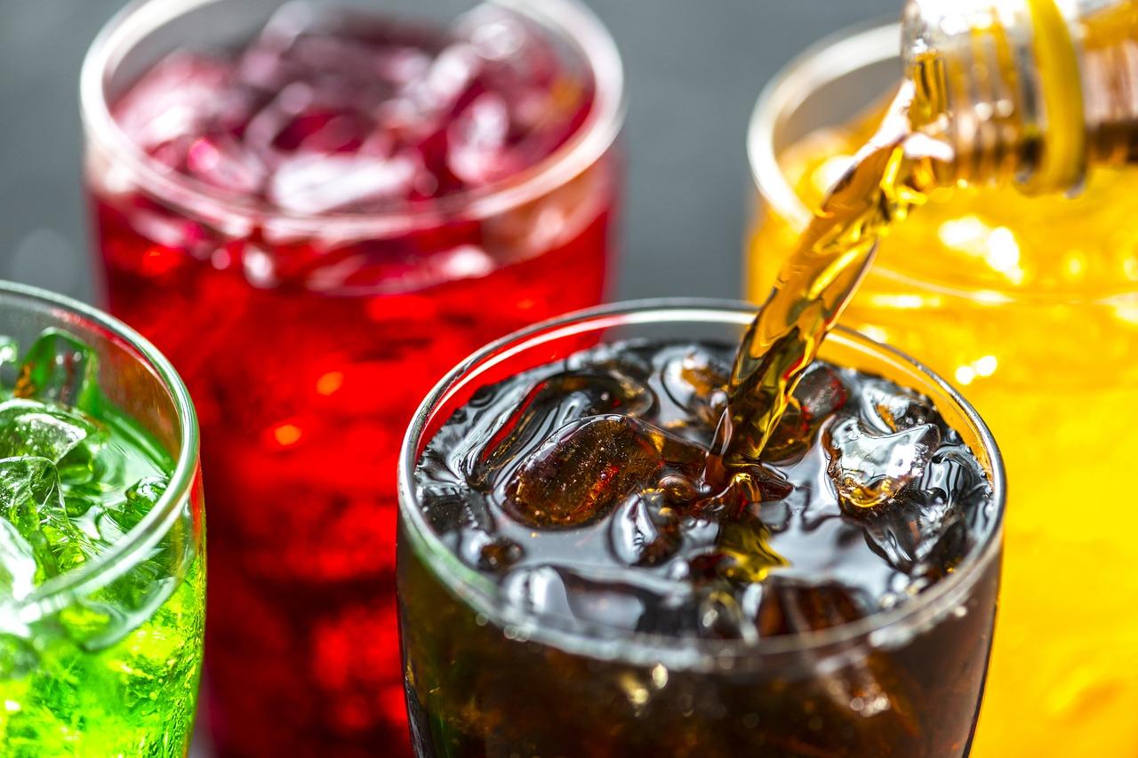 Газировка и фруктовые соки