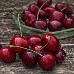Насколько ядовиты вишневые косточки?