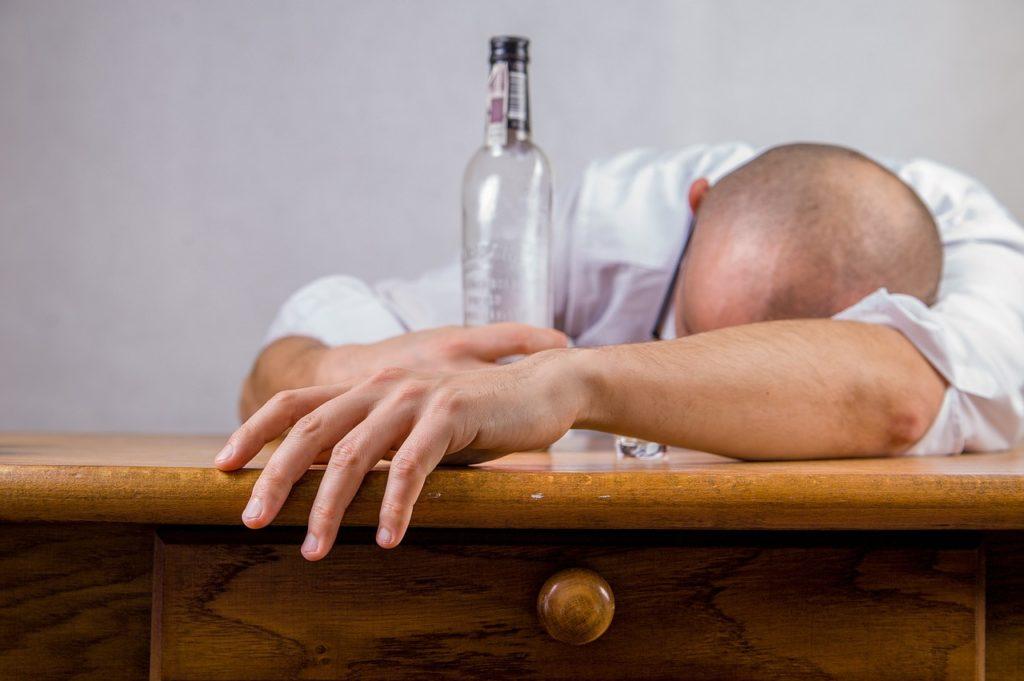 Алкоголь разрушает мозг