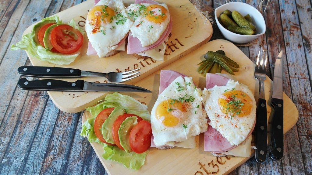 Яйца и холестерин повышают риск болезней сердца и ранней смерти